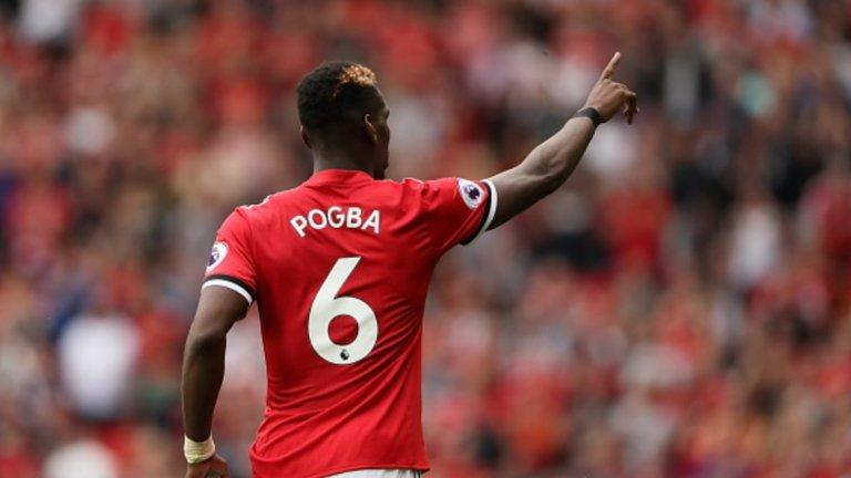 """Полузащитник: Пол Погба – от Ювентус в Манчестър Юнайтед за 105 млн. евро, 2016 г. Погба постави рекорд при завръщането си на """"Олд Трафорд"""", но изпитваше трудности в първия си сезон. През този, когато вече не е най-скъпият футболист, изглежда, че нещата си идват на мястото както за него, така и за Юнайтед."""
