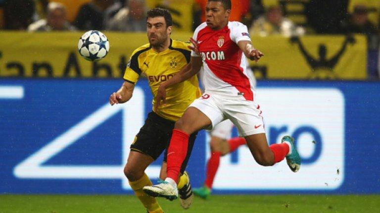 Мбапе вкара и в двата мача от четвъртфиналния сблъсък в Шампионската лига срещу Борусия Дортмунд. Така се превърна в най-младия играч, разписал се и в двете срещи от четвъртфинал в турнира.