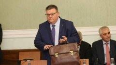 Имотният регистър отрече да крие сделки на Цацаров