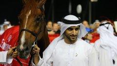 Как любимият шейх на Обединените арабски емирства омайва поданиците си
