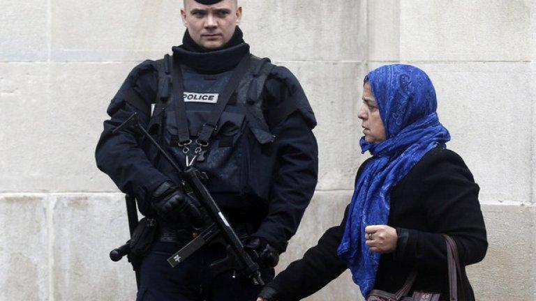 """Проучвания показват, че масовите убийства в нощта на 13 ноември, организирани от ИДИЛ в Париж, са предизвикали силна негативна реакция сред младите французи от мюсюлмански произход. И това се случва, докато думата """"джихад"""" все повече се превръща в дъвка, използвана от пияниците в метрото на френската столица"""