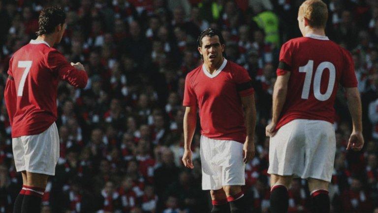 В Манчестър Юнайтед облякоха този екип през 2008-а, за да отбележат 50-ата годишнина от трагедията в Мюнхен. Вижте в галерията някои от ретро фланелките на отборите през последните няколко години.