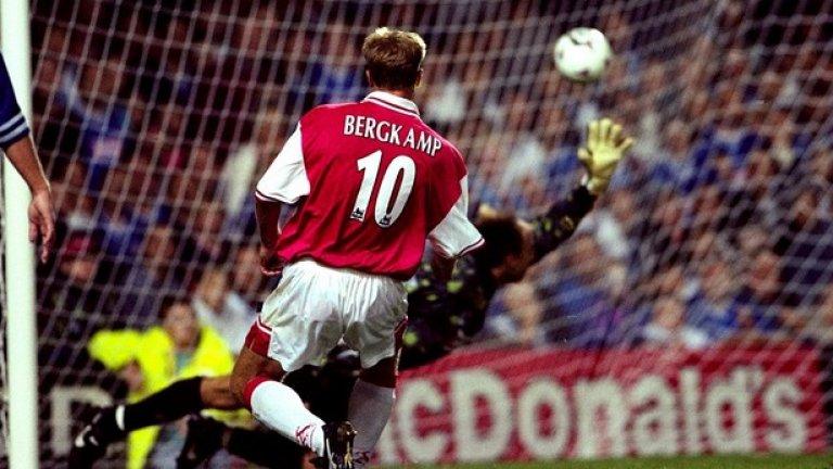 Един от паметните голове на Денис - при 3:3 срещу Лестър през 1997
