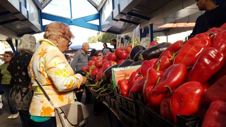 Фандъкова въвежда нови мерки и за пазарите в София
