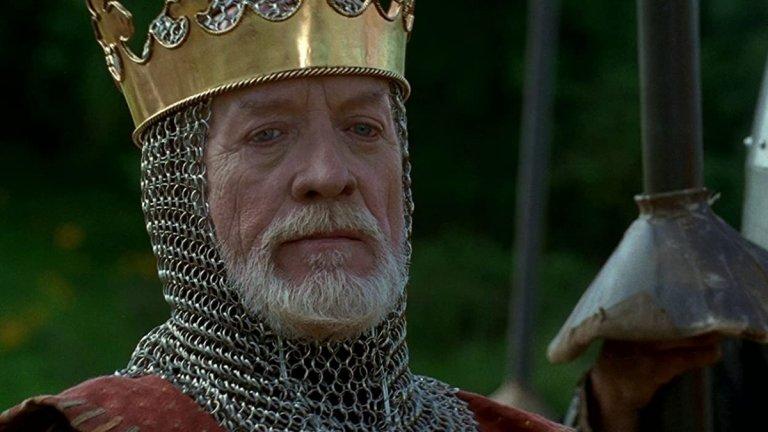 """Едуард I (""""Смело сърце"""") Изигран от: Патрик Макгуън  Отново монарх от екрана, базиран на реална историческа личност. Но докато историците имат смесени оценки за управлението на истинския английски крал Едуард I, филмът """"Смело сърце"""" показва неговата по-тъмна страна. Нормално, с оглед на това, че там """"добрите"""" са шотландците, които Едуард е твърдо решен да стъпче. Още в самото начало на филма виждаме неговата двулична природа, а с напредването на филма тя се затвърждава. За него дори преговорите са само средство за заблуда, за да постигне истинските си цели, а те, естествено, са запазване на властта."""