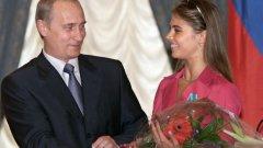 Участието на Алина Кабаева в политика й донесе повече негативи, отколкото позитиви. А и Евгения Канаева вече я задмина с два златни олимпийски медала