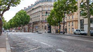 В Париж и Прага наложиха допълнителни мерки за ограничаване на пандемията