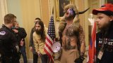 Протестиращите са проникнали в сградата на Капитолията, конгресмени и сенатори са евакуирани