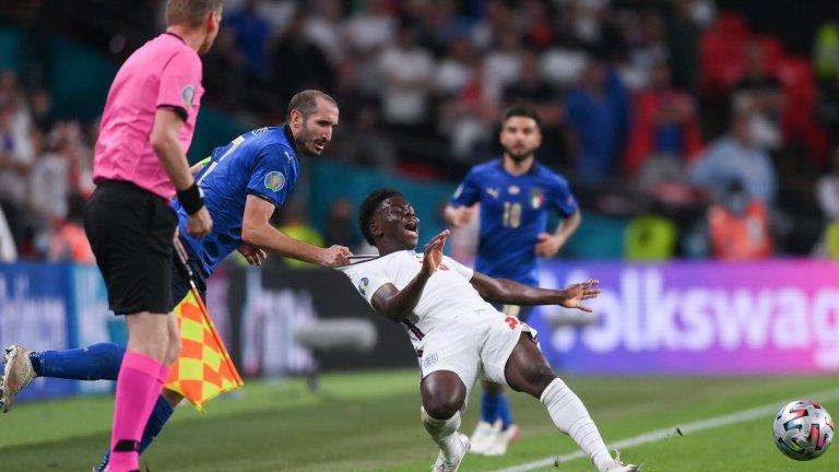 Англичаните не спират да се излагат: Поискаха преиграване на финала
