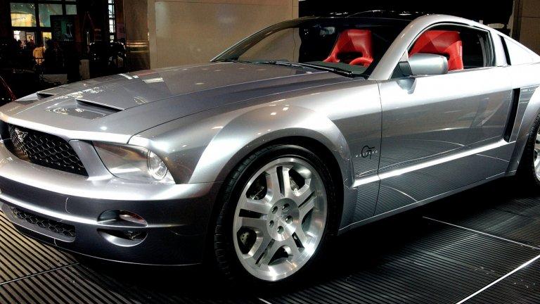 Ford Mustang  Ford Mustang няма нужда от излишни думи и описания. Той е представен за първи път през 1962 г. като спортна, но достъпна кола, и оттогава има своите заклети фенове. Mustang вече има и своята Match-E електрическа версия - насока, в която брандът тепърва ще работи.