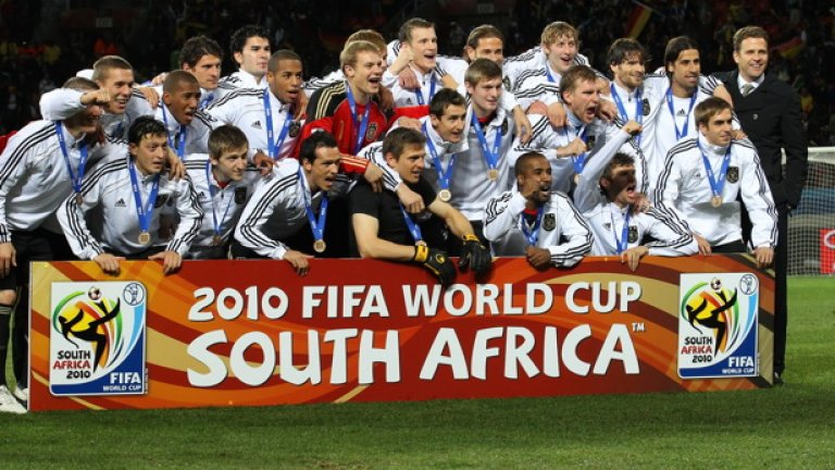 Младата космополитна формация на Германия има право да се радва след отличното си представяне на Мондиал 2010