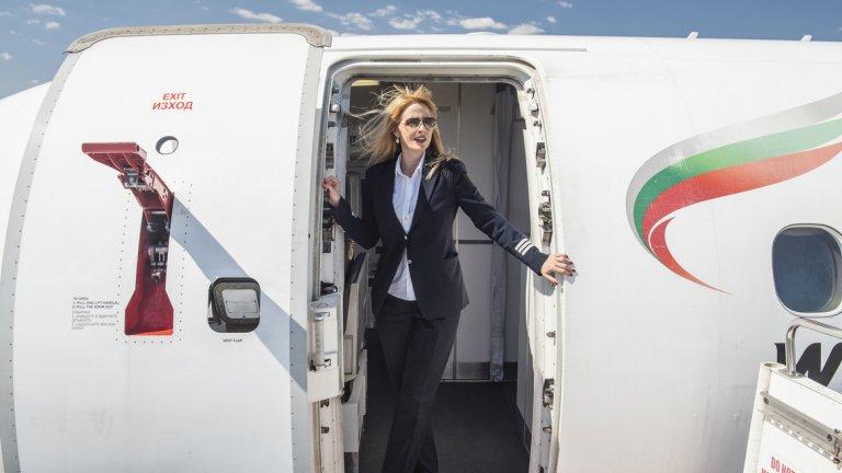 За нея авиацията не е детска мечта, а страст, която се появява, когато е на 18