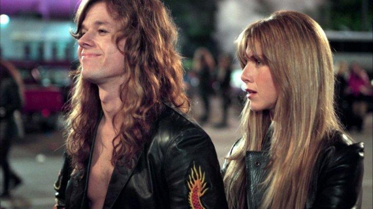 """Rock Star / """"Рок звезда"""" Каква е мечтата на всеки един рокаджия? Естествено, че да пробие и да стане звезда. Когато фронтменът на хитовата банда Steel Dragon е изгонен от колегите си заради поведението си на примадона, това отваря вратата за младия Крис Коул - нахъсан певец, който знае всички песни на Steel Dragon и жадува за живота на върха на рокенрола. Въпросът е колко от него самия ще остане в тази среда и ще може ли да свикне с този живот на секс, наркотици и рокенрол, без да изгуби нещо по-важно?"""