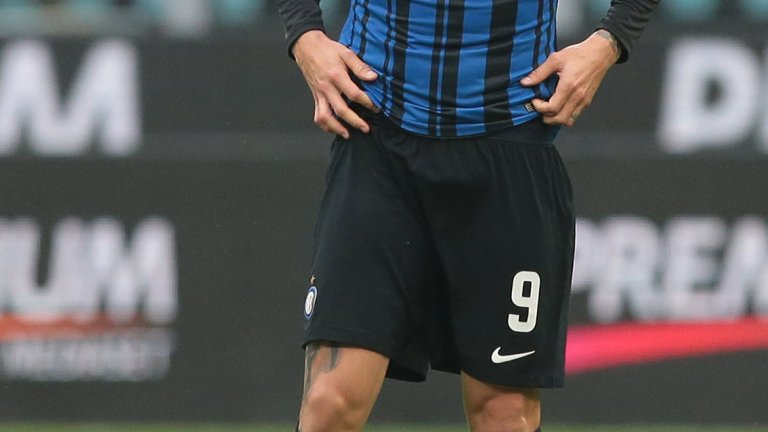 Два фрапантни пропуска и един отменен гол е активът на Икарди в дербито, а Интер изпусна да победи Милан