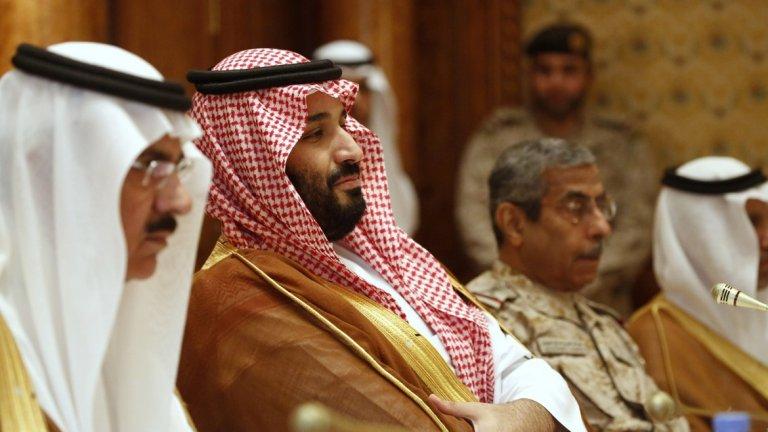 9. Саудитска Арабия Безспорно една от най-могъщите държави в Близкия изток, Саудитска Арабия разчита на природните си богатства от петрол за икономиката си. Страната харчи сериозни ресурси за отбрана, а като мека политическа сила голяма роля играят поклоненията хадж всяка година, при които мюсюлмани от цял свят посещават родното място на пророка Мохамед. Това прави страната център за религията, особено за сунитите.