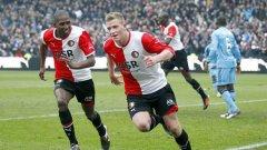 Шведският тийнейджър Джон Гуидети (вдясно) стана героят в дербито със своя хеттрик