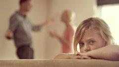 Често децата са просто оправдание за нежеланието на възрастните да поемат отговорност и да пренесат на плещите си негативните последици от един развод в името на по-доброто и по-спокойно бъдеще, в което истината и щастието са възможни.