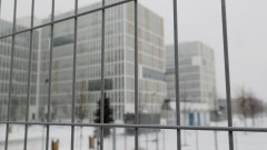 Много от сградите, в които евентуално ще се лекуват заразените, нямат топла вода и централно отопление
