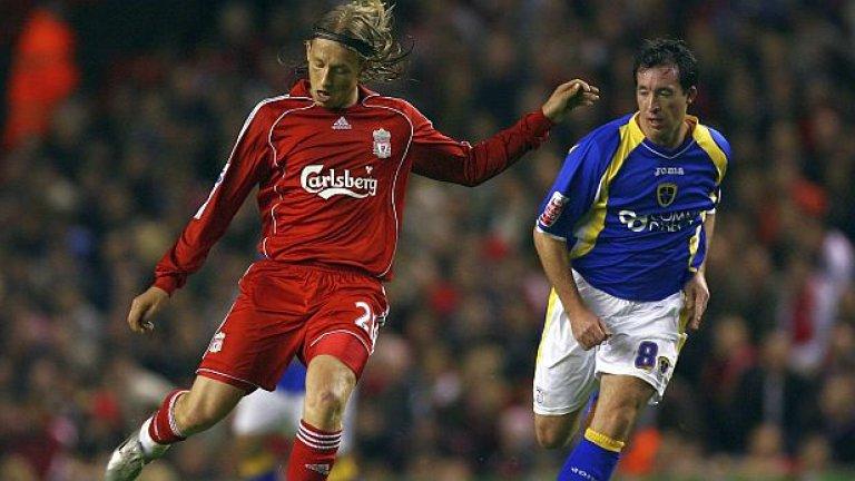 Лукас, Ливърпул Беше купен за 5 млн. паунда от бразилския Гремио през юли 2007-а. Лукас е в Ливърпул от 9 години и 3 месеца.