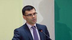 Въпреки препоръките на вицепремиера и финансов министър Симеон Дянков, който отговаря за административната реформа, броят на работещите пенсионери се увеличава