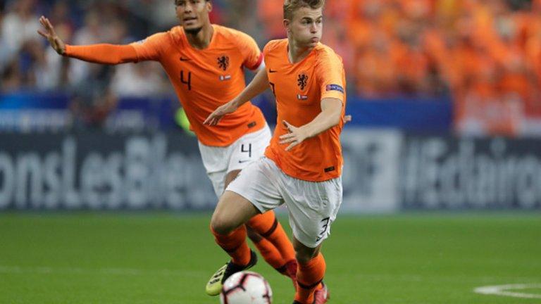 Де Лихт бързо заформи изключително партньорство с Върджил ван Дайк в центъра на холандската защита.
