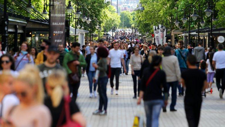 НСИ: Хората в градовете у нас живеят по-дълго от тези в селата