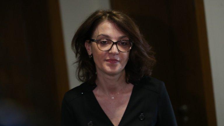 Маджарова беше единственият кандидат за поста