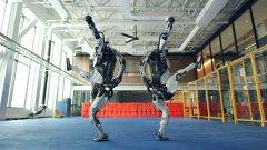 Boston Dynamics изпращат 2020 г. с видео на страхотни танцуващи роботи