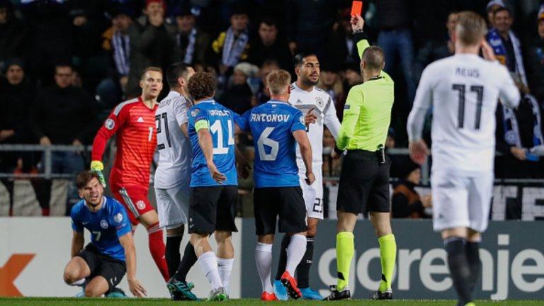 Германия остана с човек по-малко още в 14-ата минута.
