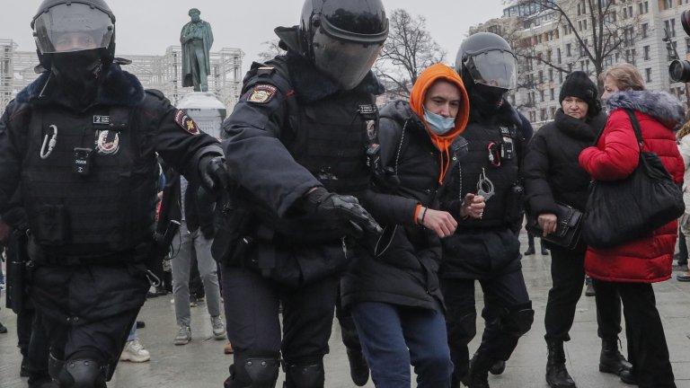 Три десетилетия след края на комунизма се появява едно ново поколение дисиденти