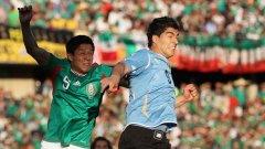 """Въпреки очакванията за миролюбиво реми между Мексико и Уругвай, което би класирало и двата отбора, мачът бе много динамичен и оспорван и завърши с изненадваща победа на """"урусите"""""""