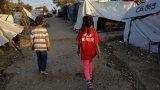 За сметка на това мигрантите към Гърция се увеличават