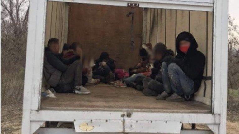 При акцията са задържани 12 души
