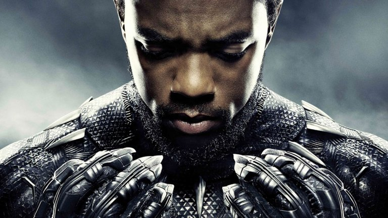 """""""Черната пантера"""" (Black Panther, 2018 г.)  Реалността е такава, че масовата публика познава Боузман най-вече в ролята на благородния принц Т'Чала - наследник на трона на измислената африканска държава Уаканда, който с помощта на високотехнологичен костюм брани страната си под прозвището Черната пантера. Едноименният филм се превърна в огромен хит за Marvel и получи редица похвали за акцента върху афроамериканската култура, включително и леко спорна номинация за """"Оскар"""" за най-добър филм."""