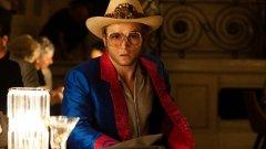 """Руските зрители няма да видят пет минути от Rocketman заради забраната за """"хомосексуална пропаганда""""."""