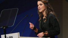"""Рания ал-Ясин е кралица на Йордания и почетен полковник на йорданската армия. Активно е ангажирана с редица програми за равноправие и развитие на образованието в йорданското общество. Занимава се с популяризирането на проекта """"SOS Детски селища"""". Рания основава Jordan River Foundation — за малтретирани деца, член е на международната консултативна комисия към ООН в областите за опазване на околната среда и здравето. Участва в Световния икономически форум и Глобалния алианс за ваксини и имунизации."""