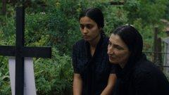 """""""Жалейка"""" предлага поглед към селото и към младостта, който не е често срещан в българското кино. Филмът обаче прави недобро впечатление с някои фалшиви нотки и с мудното си развитие - ако беше късометражен като останалите 8 филма на Елица Петкова, вероятно би бил по-ритмичен, изчистен и претеглен"""