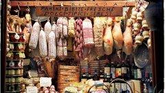 Според официални данни, цитирани от асоциацията, под 20 процента е влаганата българска суровина в произведените у нас месни продукти