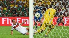 Резервата Марио Гьотце бележи шампионския гол за Германия на финала. Хората от скамейките се оказаха решителна част от мондиала.