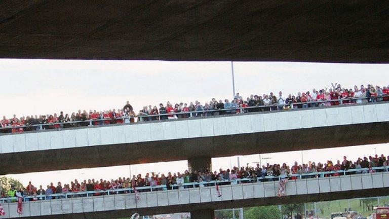 Парадът в Ливърпул събра 700 000 фенове на следващия ден. Клубът бе чакал 21 години за тази купа.