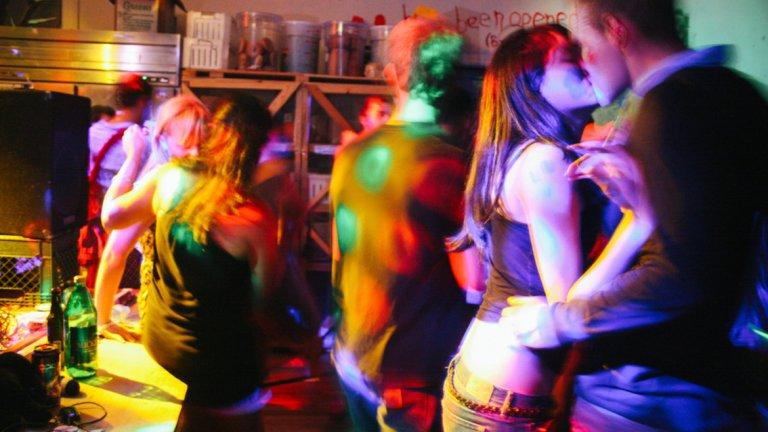 """Аржентина се опитва да се бори срещу разпространението на """"тучи"""" - опасният нов наркотик, който обикаля партитата с електронна музика"""