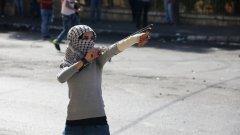 """През последните дни бяха извършени серия кървави нападения от палестински младежи с аргумента, че """"защитават"""" свещената за мюсюлманите йерусалимска джамия """"Ал Акса"""""""
