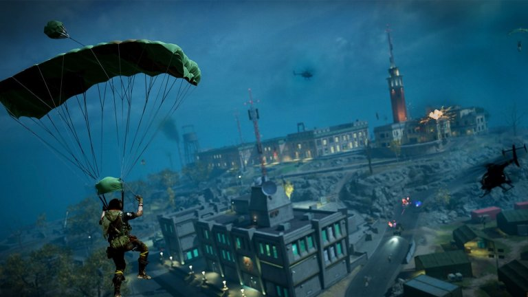Call of Duty: Warzone  Вземайки предвид популярността на жанра, нямаше как към него да не се присламчи и един от мастодонтите сред мултиплейър шутърите - Call of Duty. Warzone обаче не е просто опит да бъде яхната вълната, а наистина добре изпълнено заглавие, което внася някои свои уникални нововъведения. Така, когато ви убият на картата, вместо да чакате да свърши рунда, можете да влезете в двубои 1v1 с други чакащи играчи и по този начин да си спечелите връщане в играта. В същото време Warzone дава възможност да събирате пари, с които да съживявате съотборници. Всичко това я прави изключително динамична и без съмнение един от най-добрите battle royal-и.