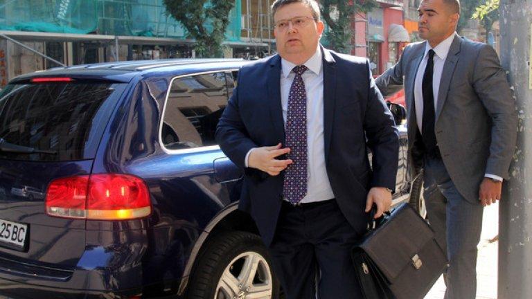 Прокурорската колегия под ръководството на Сотир Цацаров решава за повишението в ранг на Боряна Бецова