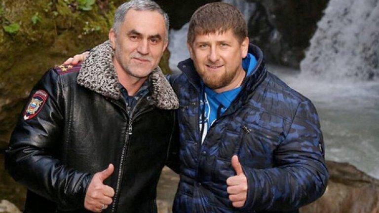 """""""Младоженецът"""" Нажуд Гучигов в компанията на чеченския ръководител Рамзан Кадиров"""