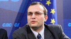 Синята коалиция вече е опозиция на ГЕРБ по икономическата политика, стана ясно от интервю на лидера на СДС Мартин Димитров