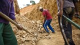 Земите на коренните общности са засегнати от златната треска.