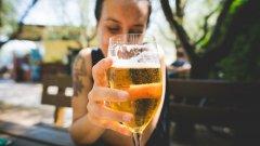 Полезно е да пиеш 2-3 малки питиета, но само с приятели