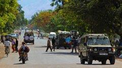 Танзания. Правило номер 1: колкото по-опасно и нахално караш, толкова по-бързо ще стигнеш