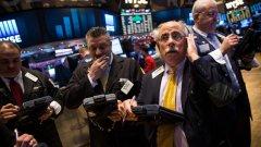 В очакване на резултата пазарите в САЩ отчетоха понижение с над 5 на сто